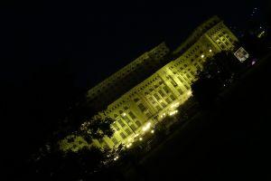 Het parlement in de avond