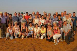 De groep in de woestijn