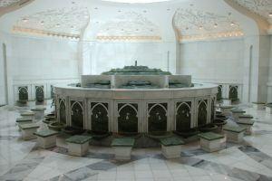 Voeten wassen bij de moskee