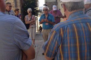Onze gids Eli in de straten van Nazareth