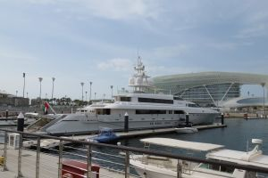 In de jachthaven van Abu Dhabi nabij het Yas Marina circuit