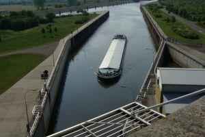 scheepslift nabij maagdenburg-